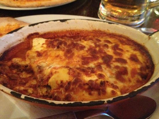 Antonio's Ristorante Italiano: Cannelloni alla Bolognese