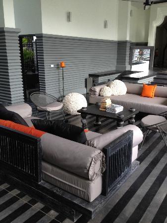 Shinta Mani Club: pool lounge