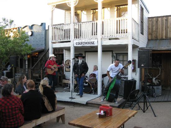 Drover's Inn: live entertainment
