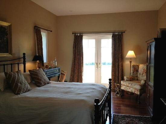 Pine Grove Bed & Breakfast: Southwest Room