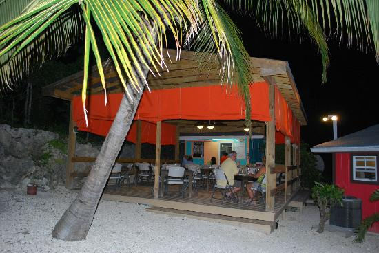 Old Man Bay, Grand Cayman : Such cute, local atmosphere!
