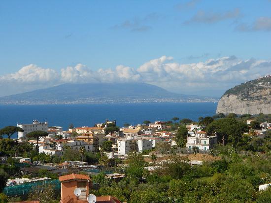 La Culla: View toward Mt Vesuvius