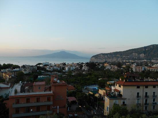 La Culla: Evening on the terrace looking over the Bay of Naples