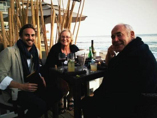 The Beach House : Mike, Sue And Travellingdav