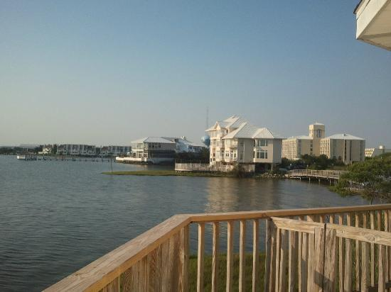 Lighthouse Club Hotel an Inn at Fager's Island: View of the Restaurant and Fager's Island