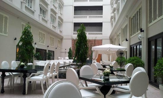 Hotel de l'Opera Hanoi - MGallery Collection: 中庭餐廳
