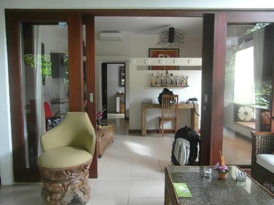 Villa Tanjung Mas: entrée de la chambre