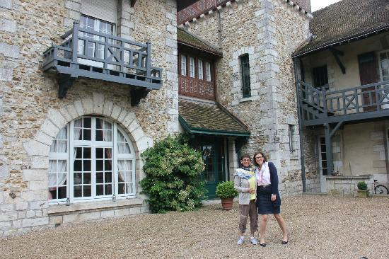 Bed & Breakfast Manoir de Notre-Dame: Helene & me