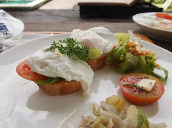 Pandawa Beach Villas & Spa: Poached eggs
