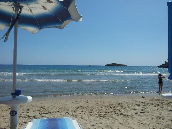 """بارك هوتل سيلنتو: Spiaggia convenzionata """"La Calanca"""" """
