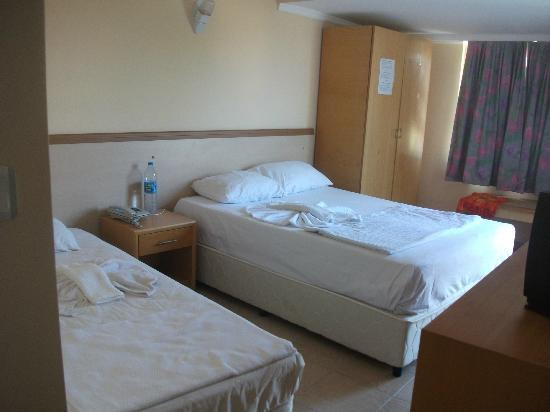 Angora Otel: Room 601 my room on my own so plenty big enough D/B and S/B
