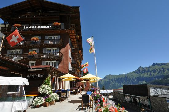 Hotel Eiger: terrasse in summer