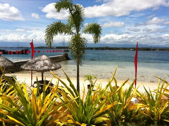 Bluejaz Beach Resort & Waterpark: (^_−)−☆ Blue Jazz Beach Resort, Samal Island