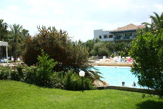 Piscina vista dal bar foto di villaggio giardini d - Villaggio giardini d oriente nova siri ...