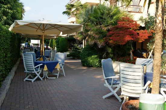 Hotel du Lac et Bellevue: Terrasse