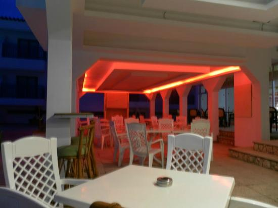 Evabelle Napa Hotel Apartments: Pool Area