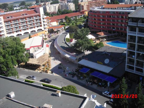 Iskar Hotel: View from room on the 13th floor