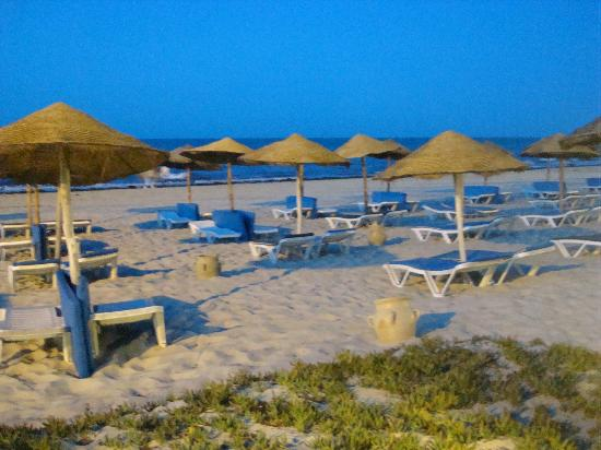 SENTIDO Djerba Beach: Beach at dusk