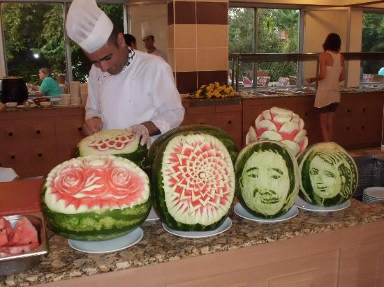 Side Yesiloz Hotel: The melon carvings