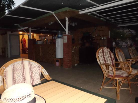 Side Yesiloz Hotel: The pool bar