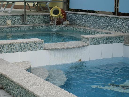 Hotel Miriam: Whirlpool und Babybecken