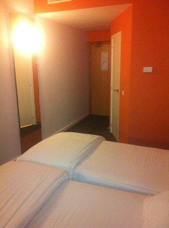 Moussafir Essaouira Hotel : chambre lit jumeaux