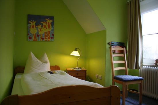 Hotel Ostfriesland garni: Kinder- / Schnarcherzimmer