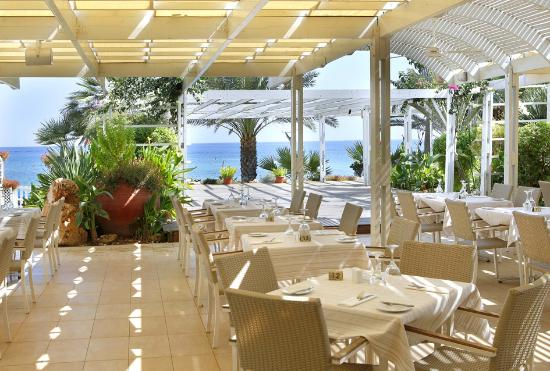 Sunrise Beach Hotel: Levanda Restaurant