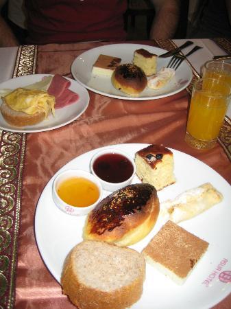 Asur Hotel: colazione