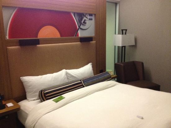 Aloft Phoenix-Airport: Room
