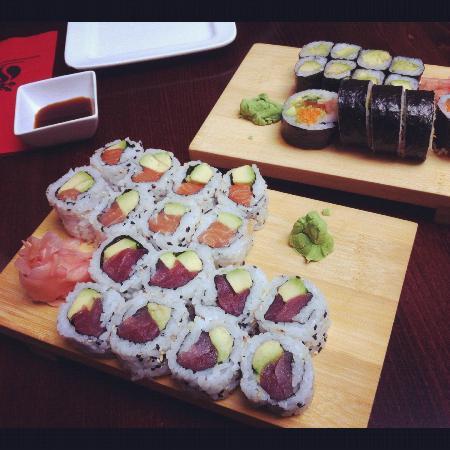 Zaowang: 4 sushi rolls