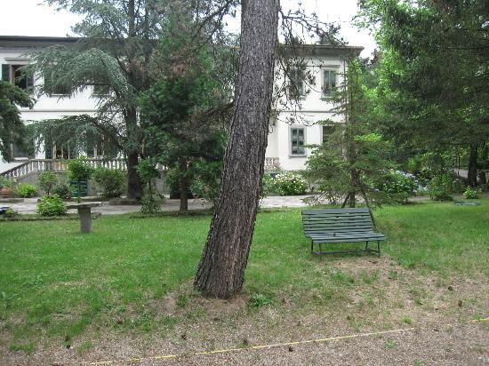 Giotto Park Hotel: house picture from the park