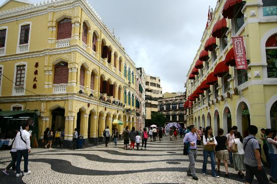 ‪Largo do Senado (Senado Square)‬