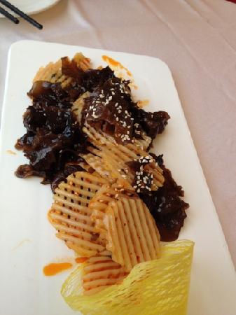 Xi'an Fanzhuang: Mushroom with potato appetizer
