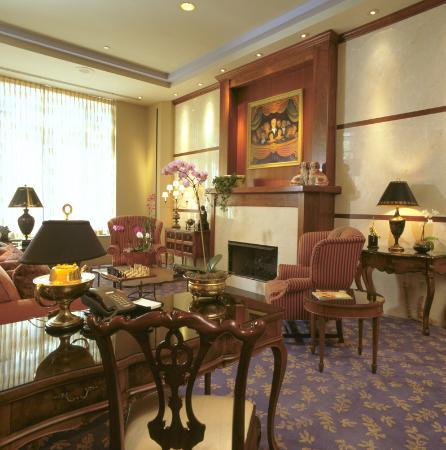 Cincinnatian Hotel: Lobby View