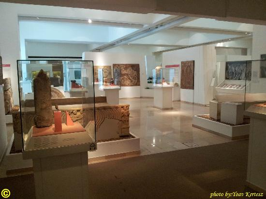 Bible Lands Museum : the permanent exhibitio