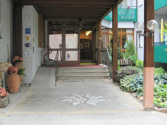 Kneipp- und WellVitalhotel Edelweiss: Eingang