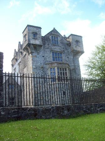 Donegal Town, Irland: Donegal Castle.