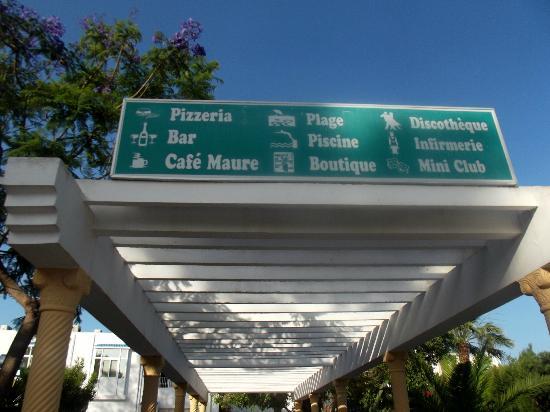 El Mouradi Club Selima: Signs