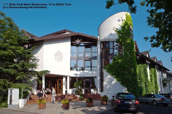 Nells Park Hotel: Der Haupteingang zum Hotel Nells Park