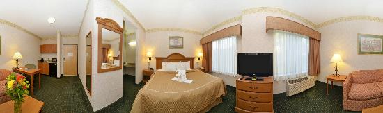 Comfort Suites: King Suite w/ Pull Out Sofa