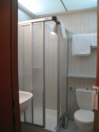 Central Hotel: バスルーム