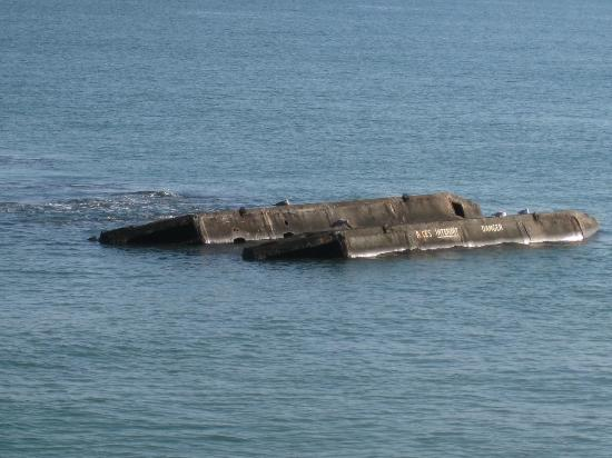 Remains Mulberry Harbour : Remains of Mulberry Harbor - Arromanches, France