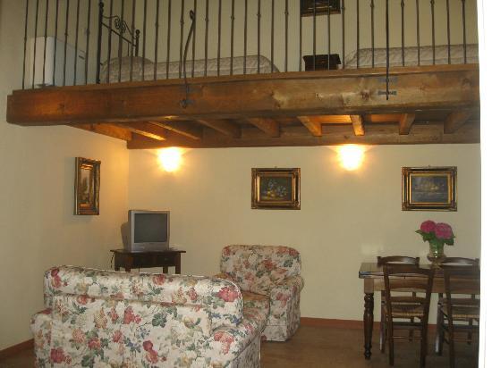 il soggiorno - Picture of Corte Arcadia, San Martino della Battaglia ...