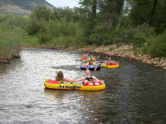 Vee Bar Guest Ranch: Tube Races