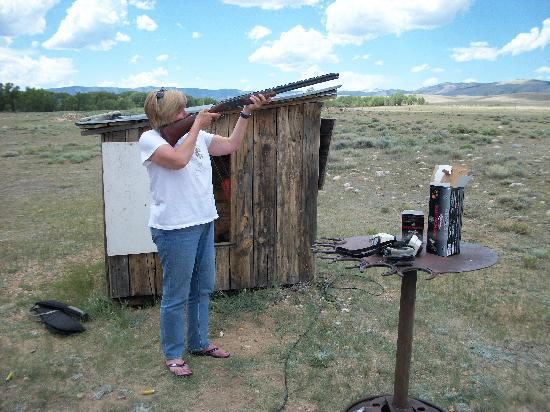 Vee Bar Guest Ranch: Trap shooting attempt