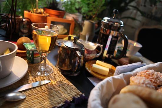 Chambre d'Autres et Suite du Merle Blanc: Breakfast