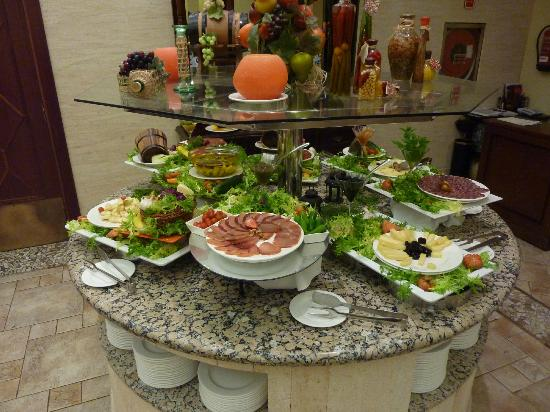 Hotel SH Villa Gadea: Great selection of hors d'oeuvres.