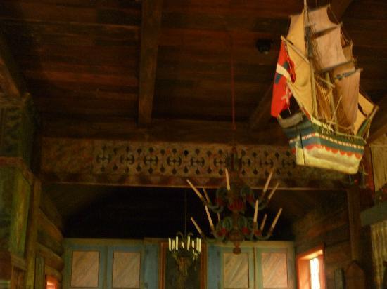 Maihaugen Open-Air Museum : Eglise en bois debout de Garmo