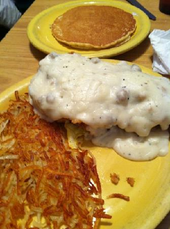George's Restaurant & Bar: country eggs benedict and pecan pancakes!